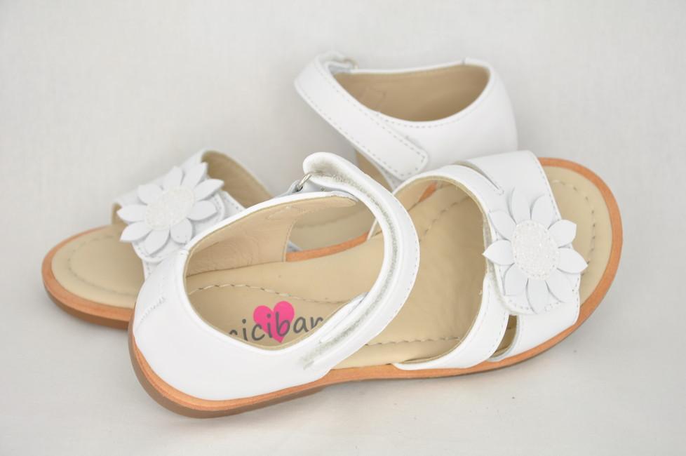e58b92a03a55 Dievčenské sandále Ponza White - CICIBAN